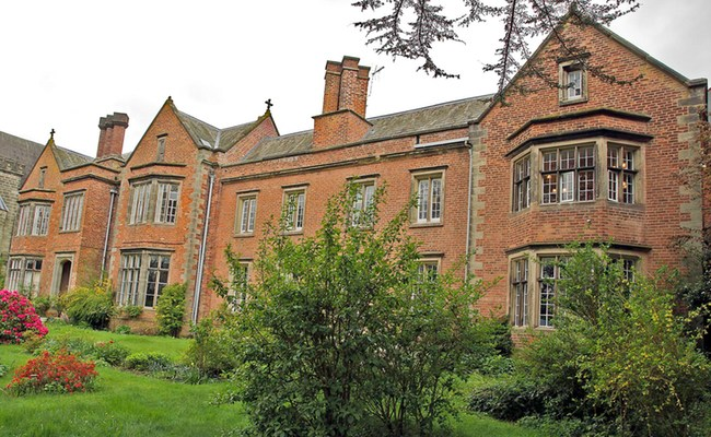 Oulton Abbey Nursing Home